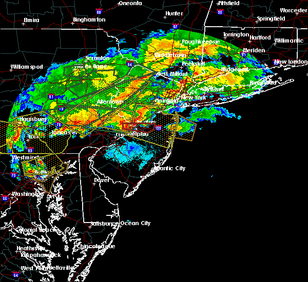 Radar Image for Severe Thunderstorms near Englishtown, NJ at 5/29/2019 5:42 PM EDT