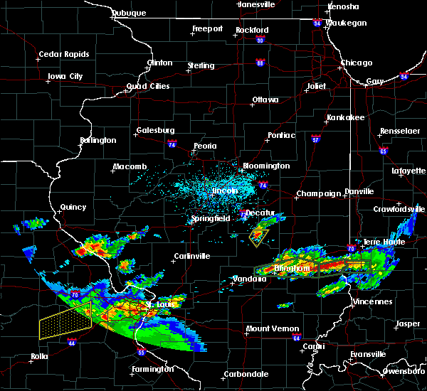 Radar Image for Severe Thunderstorms near Findlay, IL at 5/29/2019 5:32 PM CDT