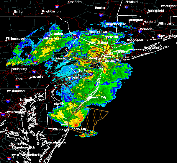Radar Image for Severe Thunderstorms near Kendall Park, NJ at 5/30/2019 6:15 PM EDT