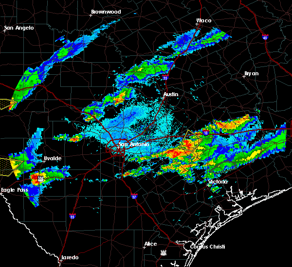 Radar Image for Severe Thunderstorms near Gonzales, TX at 5/30/2019 7:58 PM CDT