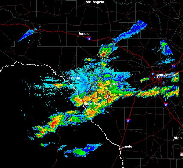 Radar Image for Severe Thunderstorms near Uvalde Estates, TX at 5/30/2019 9:04 PM CDT