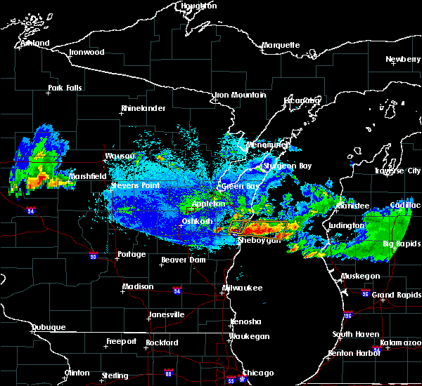 Radar Image for Severe Thunderstorms near Manitowoc, WI at 5/31/2019 10:56 PM CDT
