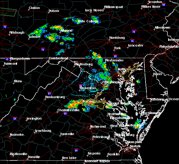 Radar Image for Severe Thunderstorms near Fredericksburg, VA at 6/15/2015 6:26 PM EDT