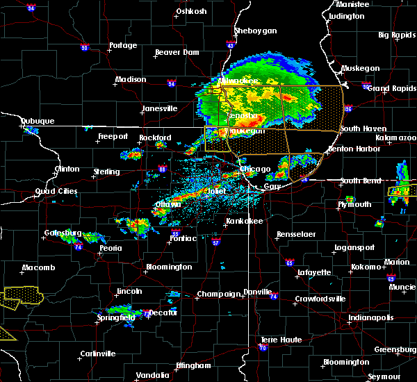 Radar Image for Severe Thunderstorms near Round Lake, IL at 6/1/2019 5:10 PM CDT
