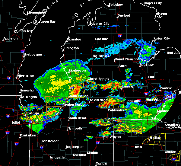 Radar Image for Severe Thunderstorms near South Haven, MI at 6/1/2019 7:33 PM EDT