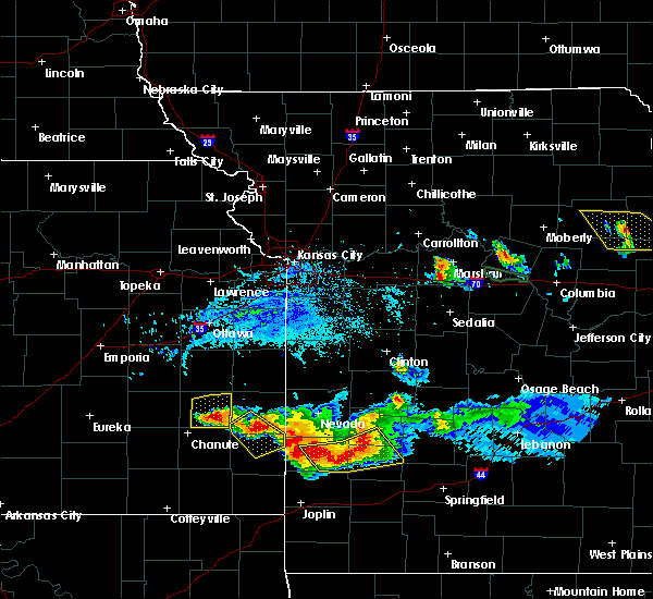 Radar Image for Severe Thunderstorms near Iola, KS at 6/1/2019 7:05 PM CDT