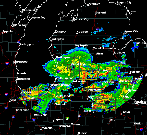 Radar Image for Severe Thunderstorms near Dowling, MI at 6/1/2019 8:23 PM EDT