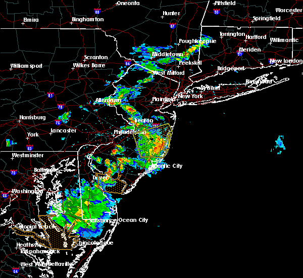 Radar Image for Severe Thunderstorms near Wrightstown, NJ at 6/2/2019 8:34 PM EDT