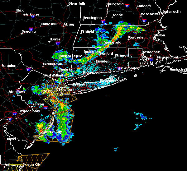 Radar Image for Severe Thunderstorms near Great Neck Estates, NY at 6/2/2019 9:35 PM EDT