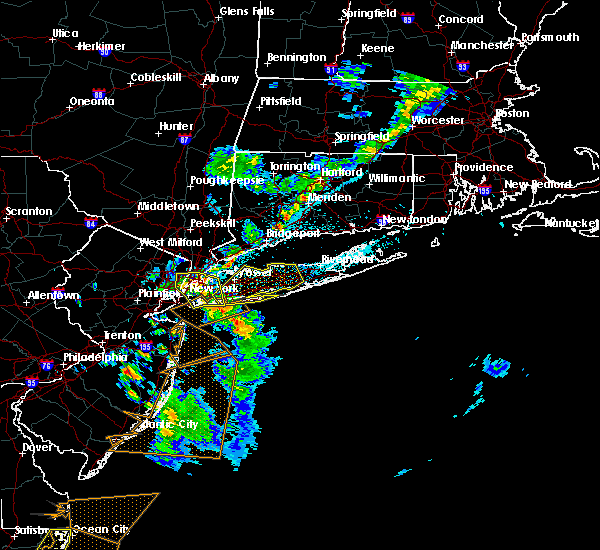 Radar Image for Severe Thunderstorms near Levittown, NY at 6/2/2019 10:05 PM EDT
