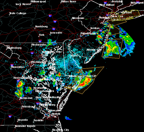 Radar Image for Severe Thunderstorms near Chincoteague, VA at 6/2/2019 10:14 PM EDT