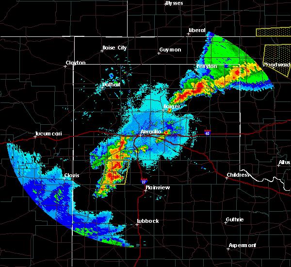 Radar Image for Severe Thunderstorms near Dimmitt, TX at 6/4/2019 12:37 AM CDT