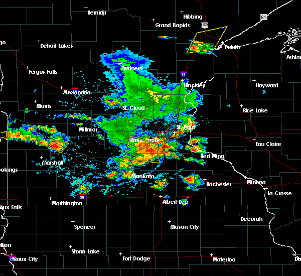 Radar Image for Severe Thunderstorms near Burnsville, MN at 6/4/2019 4:41 PM CDT
