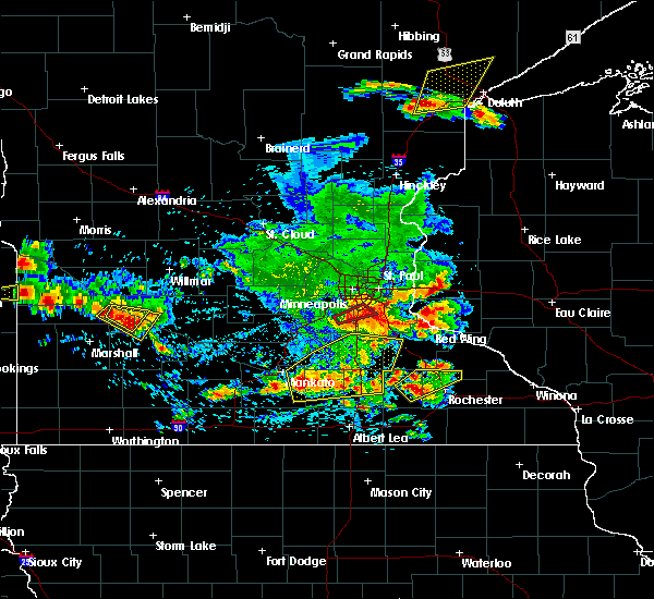 Radar Image for Severe Thunderstorms near Dodge Center, MN at 6/4/2019 5:03 PM CDT