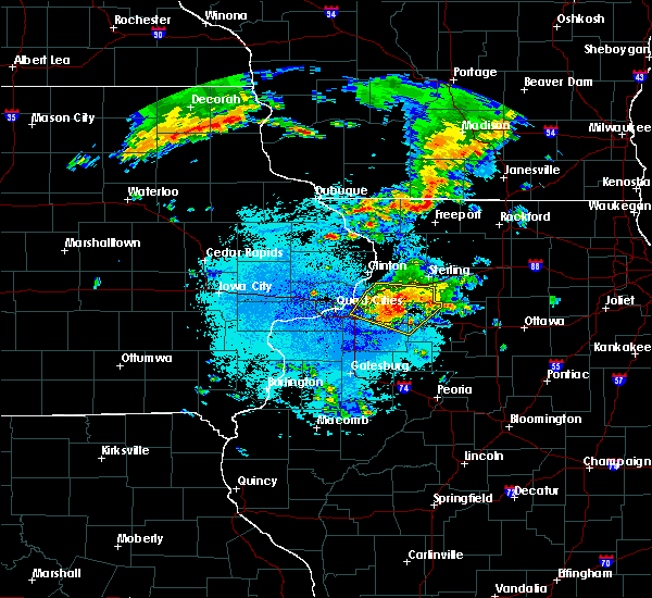 Radar Image for Severe Thunderstorms near Geneseo, IL at 6/4/2019 11:11 PM CDT