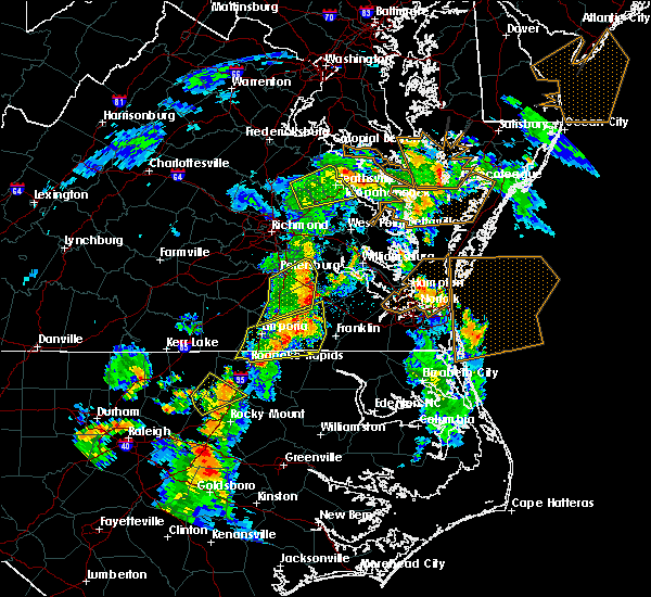 Radar Image for Severe Thunderstorms near Wakefield, VA at 6/5/2019 5:18 PM EDT