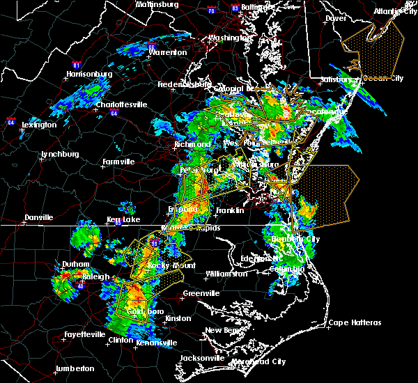 Radar Image for Severe Thunderstorms near Boykins, VA at 6/5/2019 5:31 PM EDT