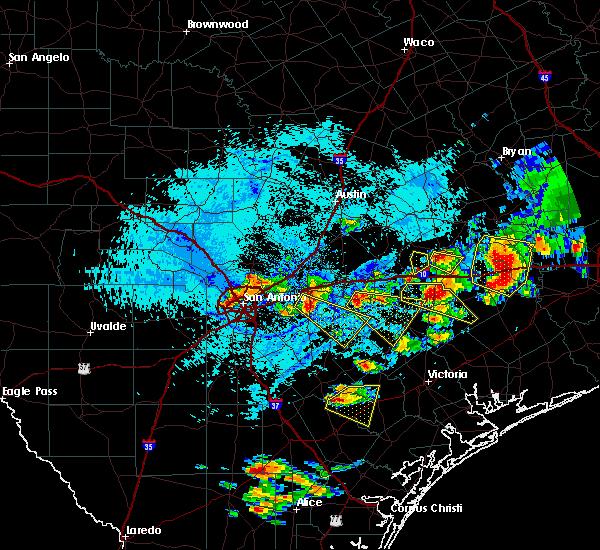 Radar Image for Severe Thunderstorms near Shiner, TX at 6/6/2019 5:45 PM CDT