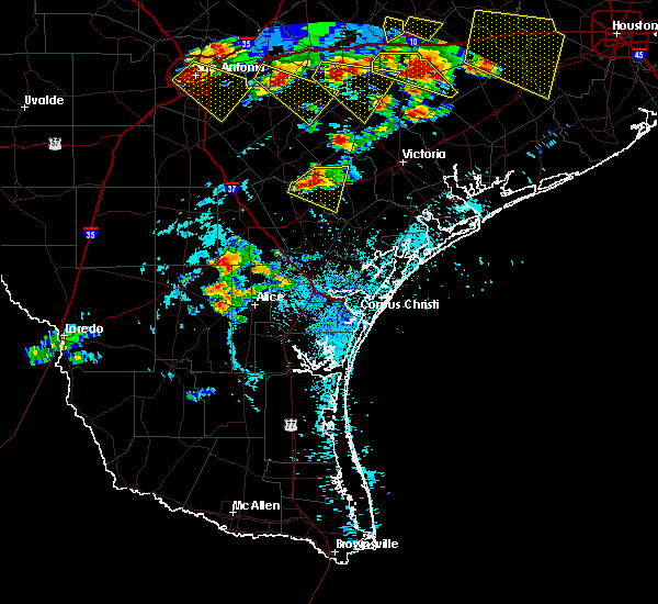 Radar Image for Severe Thunderstorms near Goliad, TX at 6/6/2019 5:55 PM CDT