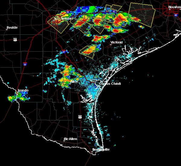 Radar Image for Severe Thunderstorms near Goliad, TX at 6/6/2019 6:03 PM CDT