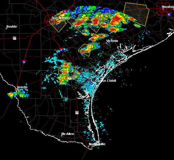 Radar Image for Severe Thunderstorms near Goliad, TX at 6/6/2019 6:11 PM CDT