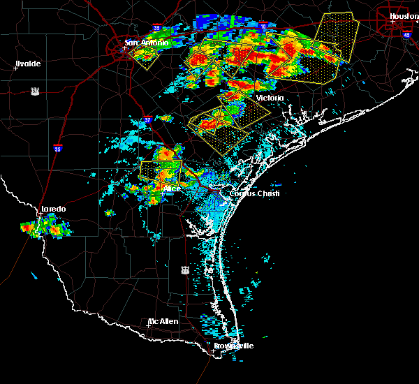 Radar Image for Severe Thunderstorms near Victoria, TX at 6/6/2019 6:21 PM CDT