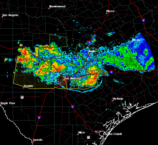 Radar Image for Severe Thunderstorms near Lakehills, TX at 6/9/2019 9:04 PM CDT
