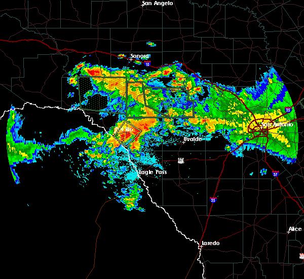 Radar Image for Severe Thunderstorms near Del Rio, TX at 6/9/2019 11:17 PM CDT