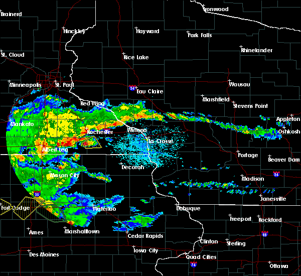Radar Image for Severe Thunderstorms near Racine, MN at 6/15/2019 4:00 PM CDT
