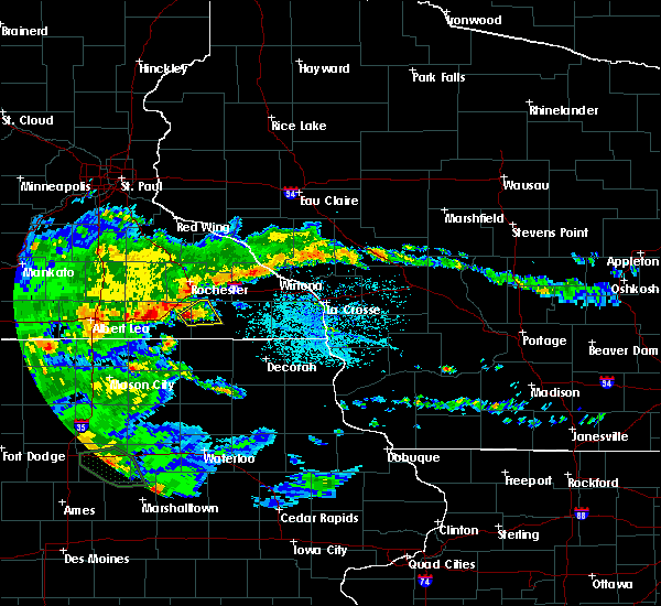 Radar Image for Severe Thunderstorms near Wykoff, MN at 6/15/2019 4:07 PM CDT