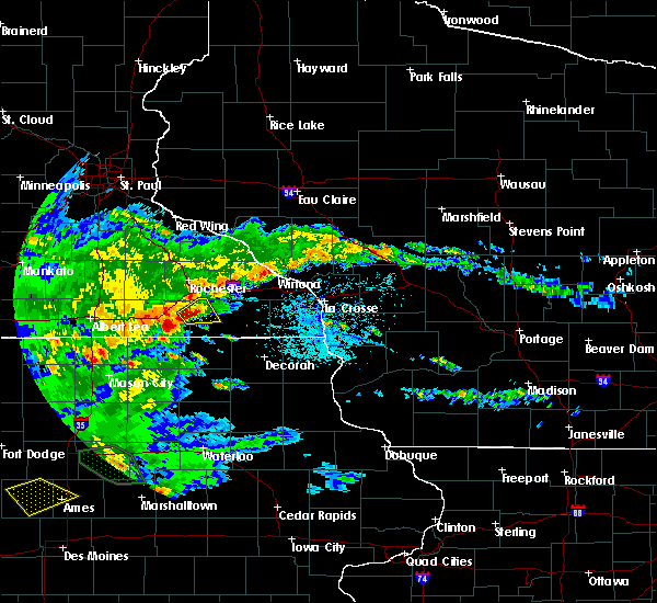 Radar Image for Severe Thunderstorms near Racine, MN at 6/15/2019 4:31 PM CDT