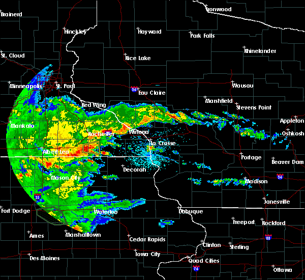 Radar Image for Severe Thunderstorms near Spring Valley, MN at 6/15/2019 4:48 PM CDT