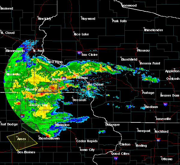 Radar Image for Severe Thunderstorms near Spring Valley, MN at 6/15/2019 5:10 PM CDT