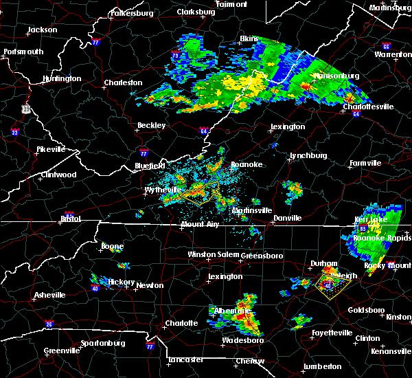 Radar Image for Severe Thunderstorms near Hillsville, VA at 6/17/2015 10:43 PM EDT
