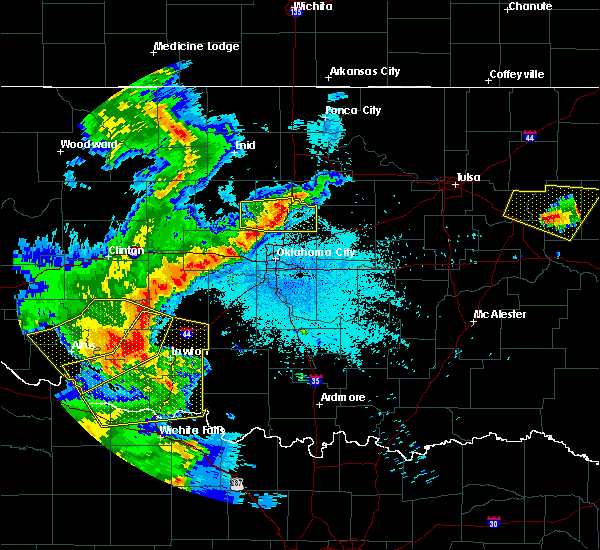Radar Image for Severe Thunderstorms near Meridian, OK at 6/19/2019 12:39 AM CDT