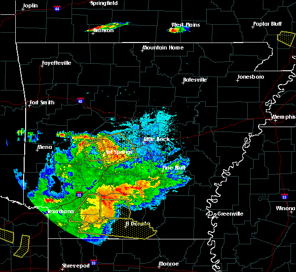 Radar Image for Severe Thunderstorms near Salem, AR at 6/19/2019 8:44 PM CDT