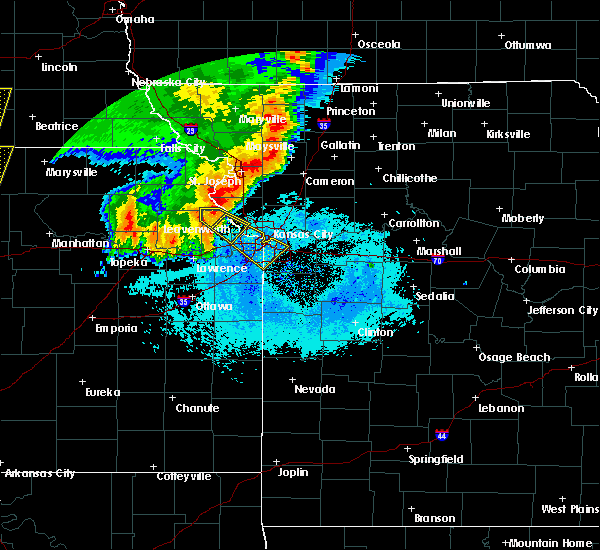 Radar Image for Severe Thunderstorms near Edwardsville, KS at 6/21/2019 6:29 AM CDT