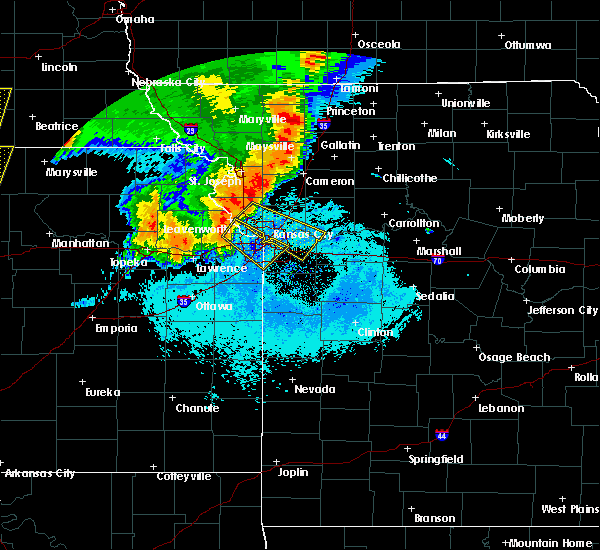 Radar Image for Severe Thunderstorms near North Kansas City, MO at 6/21/2019 6:45 AM CDT