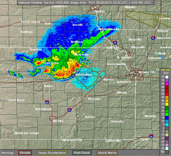 Radar Image for Severe Thunderstorms near Manhattan, KS at 6/25/2019 9:59 PM CDT