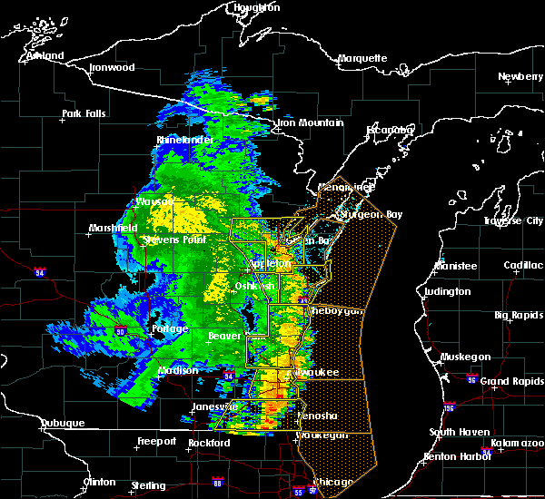 Radar Image for Severe Thunderstorms near Manitowoc, WI at 6/27/2019 5:48 PM CDT