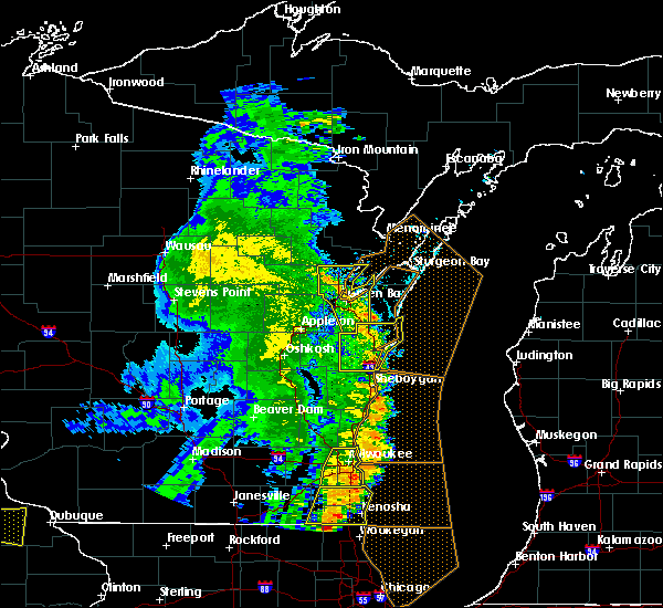 Radar Image for Severe Thunderstorms near Manitowoc, WI at 6/27/2019 6:01 PM CDT
