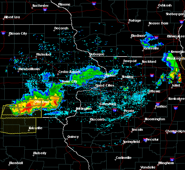 Radar Image for Severe Thunderstorms near Mount Union, IA at 6/28/2019 11:32 AM CDT