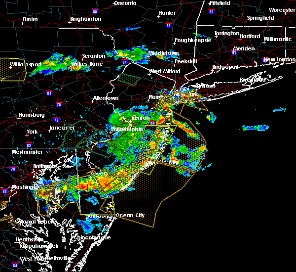 Radar Image for Severe Thunderstorms near Woodmere, NY at 6/29/2019 5:46 PM EDT