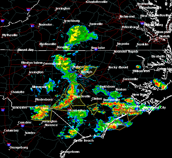 Radar Image for Severe Thunderstorms near White Oak, NC at 6/19/2015 8:00 PM EDT