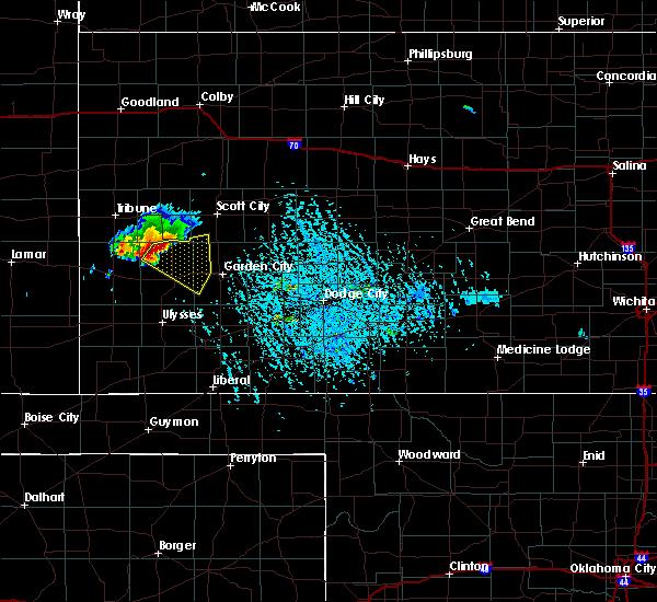 Radar Image for Severe Thunderstorms near Lakin, KS at 7/8/2019 5:43 PM CDT