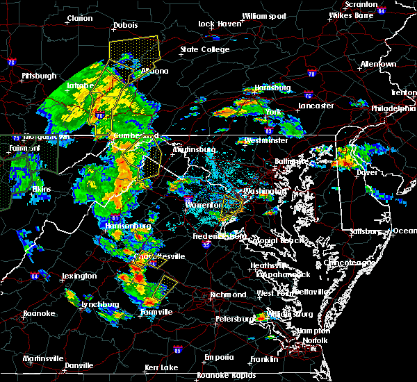 Radar Image for Severe Thunderstorms near Shawneeland, VA at 6/20/2015 6:29 PM EDT