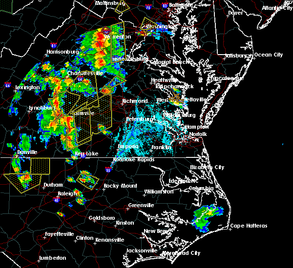 Radar Image for Severe Thunderstorms near Woodlake, VA at 6/20/2015 7:31 PM EDT
