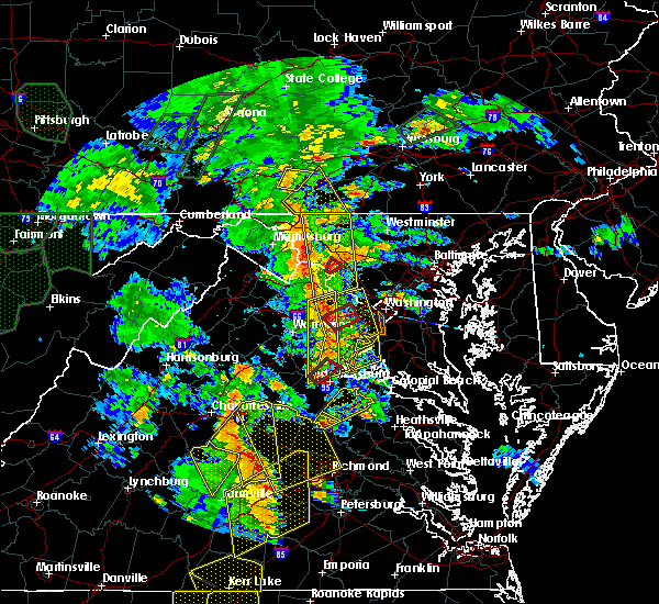 Radar Image for Severe Thunderstorms near Fredericksburg, VA at 6/20/2015 8:00 PM EDT