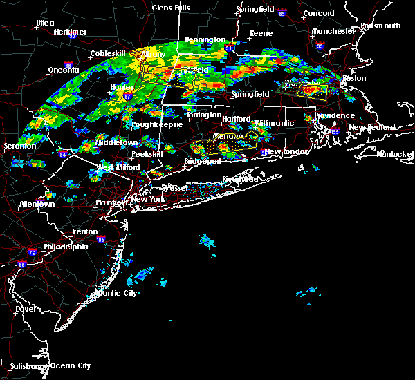 Radar Image for Severe Thunderstorms near Waterbury, CT at 7/17/2019 3:48 PM EDT