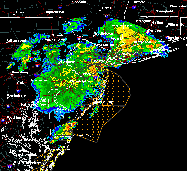 Radar Image for Severe Thunderstorms near Englishtown, NJ at 7/17/2019 9:22 PM EDT